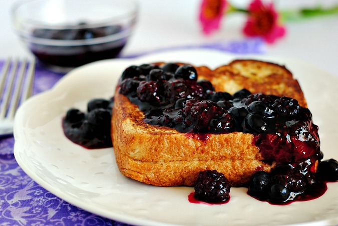 Stuffed French toast with berry compote | you-made-that.com