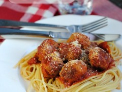 Thumbnail image for Healthy Turkey Meatballs with Spaghetti
