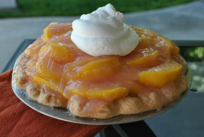 Fresh Peach Pie | www.you-made-that.com
