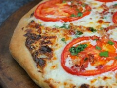 Thumbnail image for Alfredo Tomato & Bacon Pizza