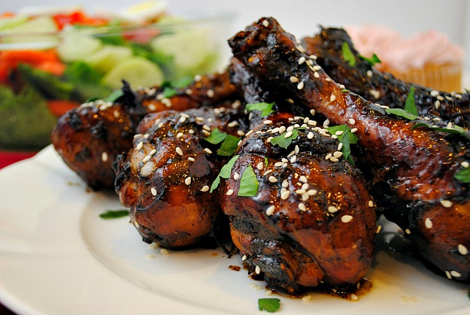 Sweet & Sticky Chicken Drumsticks | you-made-that.com