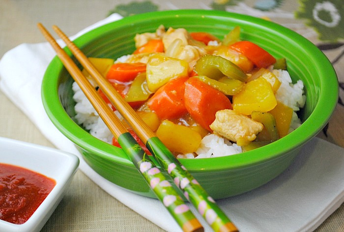Sweet & sour chicken stir fry @www.you-made-that.com
