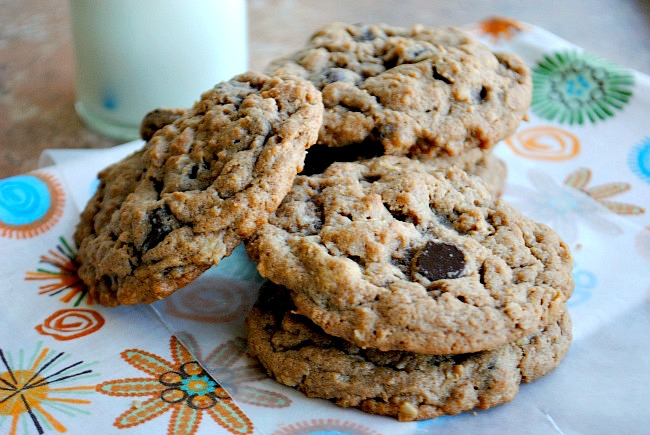 peanutbutter oatmeal chocolate chip cookies