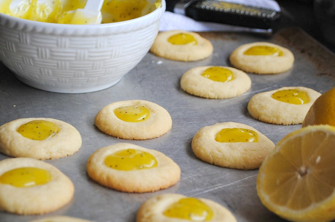 Lemon poppy seed curd thumbprint cookies you-made-that.com