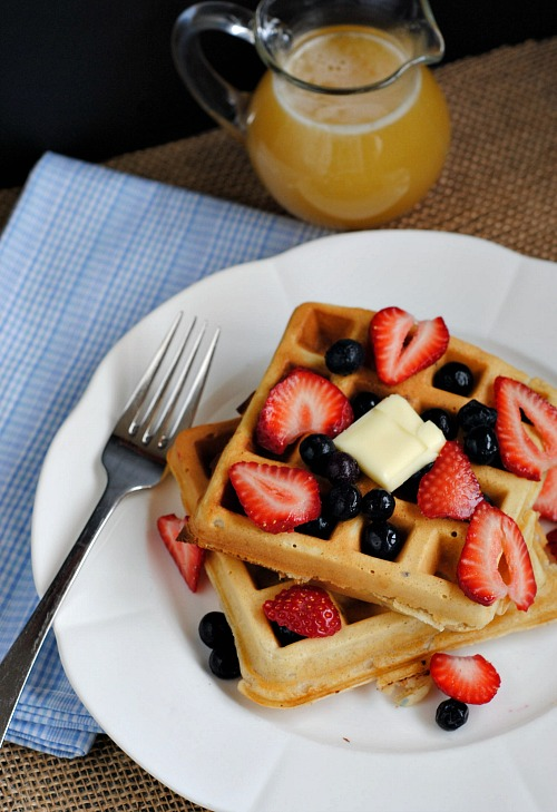 Homemade Buttermilk Waffles | you-made-that.com
