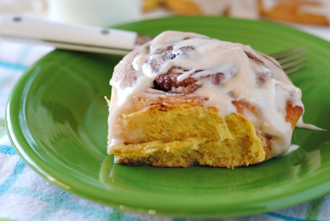 Pumpkin cinnamon rolls with cream cheese cinnamon icing| you-made-that.com