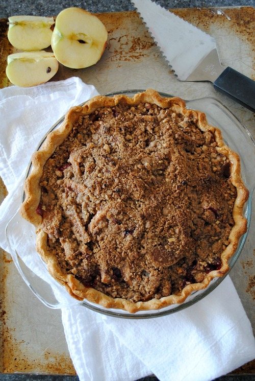 Apple cranberry streusel topped pie|you-made-that.com