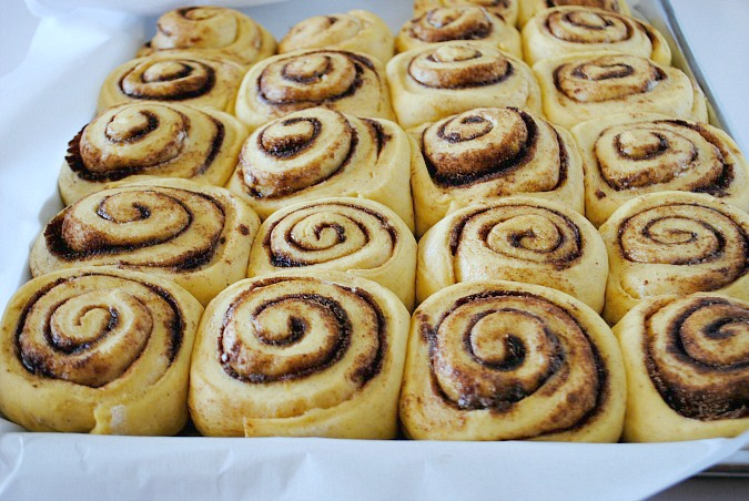 pumpkin cinnamon rolls dough2